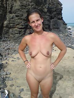 Mom Beach Pictures - Nude Beach Porn
